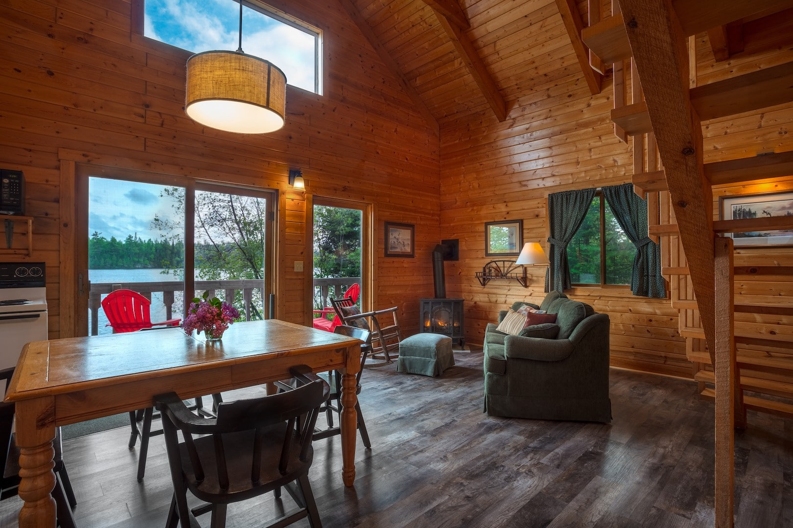 Dining And Living Room Cabin 4 With Sleeper Sofa And
