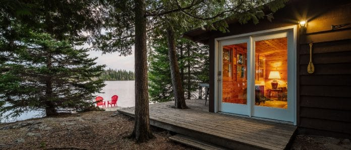 Lakeside cabin with fireplace